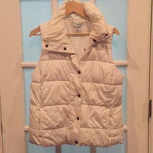 Gently worn Puffer Vest by Old Navy size L